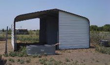 Horse sun shelter loafing shed